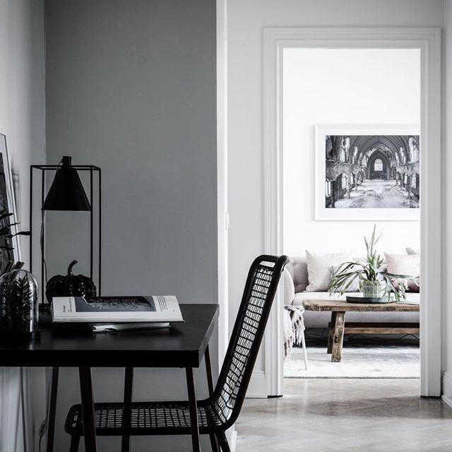 ★ Krukmakargatan 2 Kommer ut på marknaden Idag! Ansvarig Mäklare: Åsa Von Zweigbergk ———————————————————————— #interior #interiordesign #nordiskahem #södermalm #home #realeatate #livingroom #scandinavianhome #interiordecor #interiØr #bedroom #photooftheday #interior4all #interiors #interior123 #design #room #roomforinspo #instahome #skandinaviskehjem #m #interiorforyou #interiordetails #instagood #retro #vintage #homedecore #homesweethome #instaday