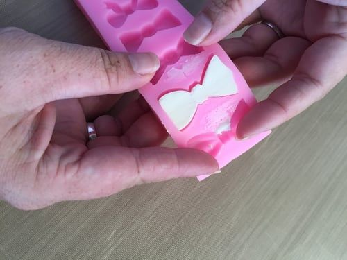 Using a silicone mold with buttercream