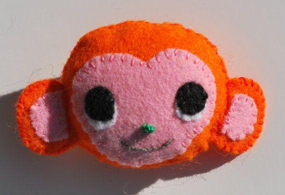 Bekijk dit items in mijn Etsy shop https://www.etsy.com/nl/listing/255442428/dieren-broche-vilten-broche-vilten-aap
