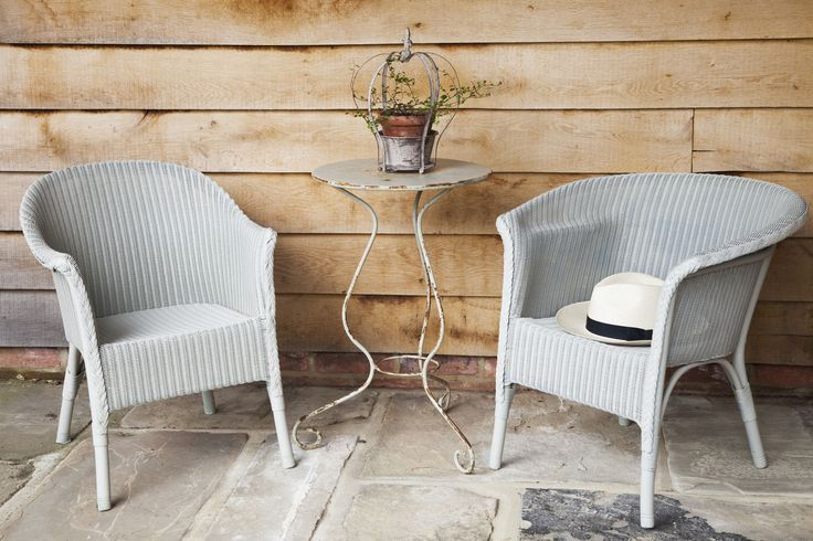 Wonderful stylish wicker. Give your old wicker chairs a makeover with spray paint, so easy to do and gives a stunning contemporary finish in grey.