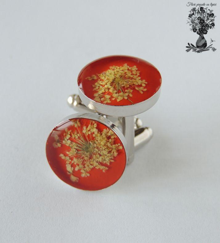 Butoni cu flori presate/Pressed flowers cufflink