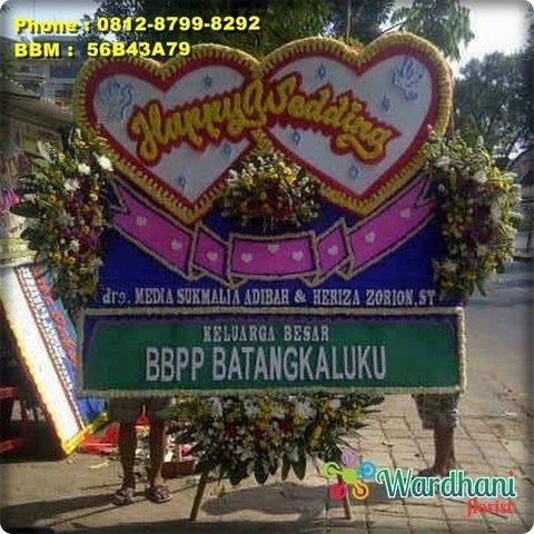 Bunga Papan Happy Wedding HW265WF