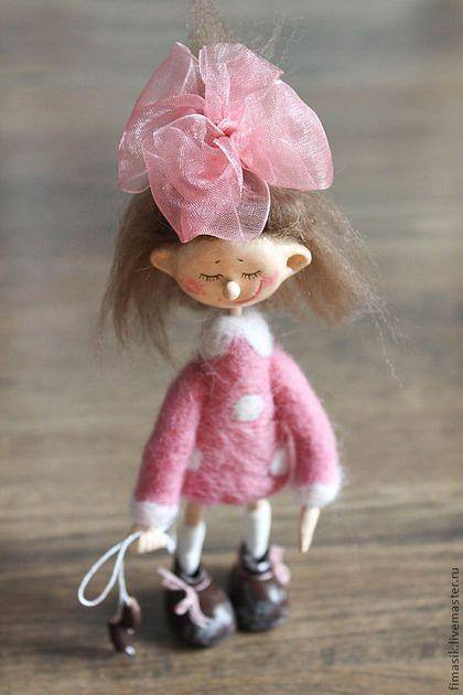 Купить или заказать Маруська в интернет-магазине на Ярмарке Мастеров. Смешная девчушка, трогательная малышка, розовая кнопка ...…