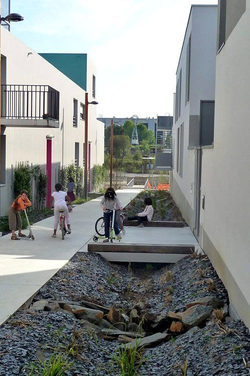 139 best urban hydrology images on pinterest for Courtyard landscaping ottawa