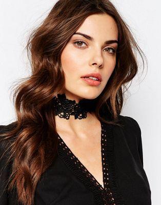 Кружевное ожерелье-чокер Love Rocks