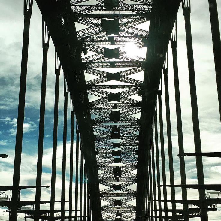 Don't drive n snap.... #sydneyharbourbridge by neilmair http://ift.tt/1NRMbNv