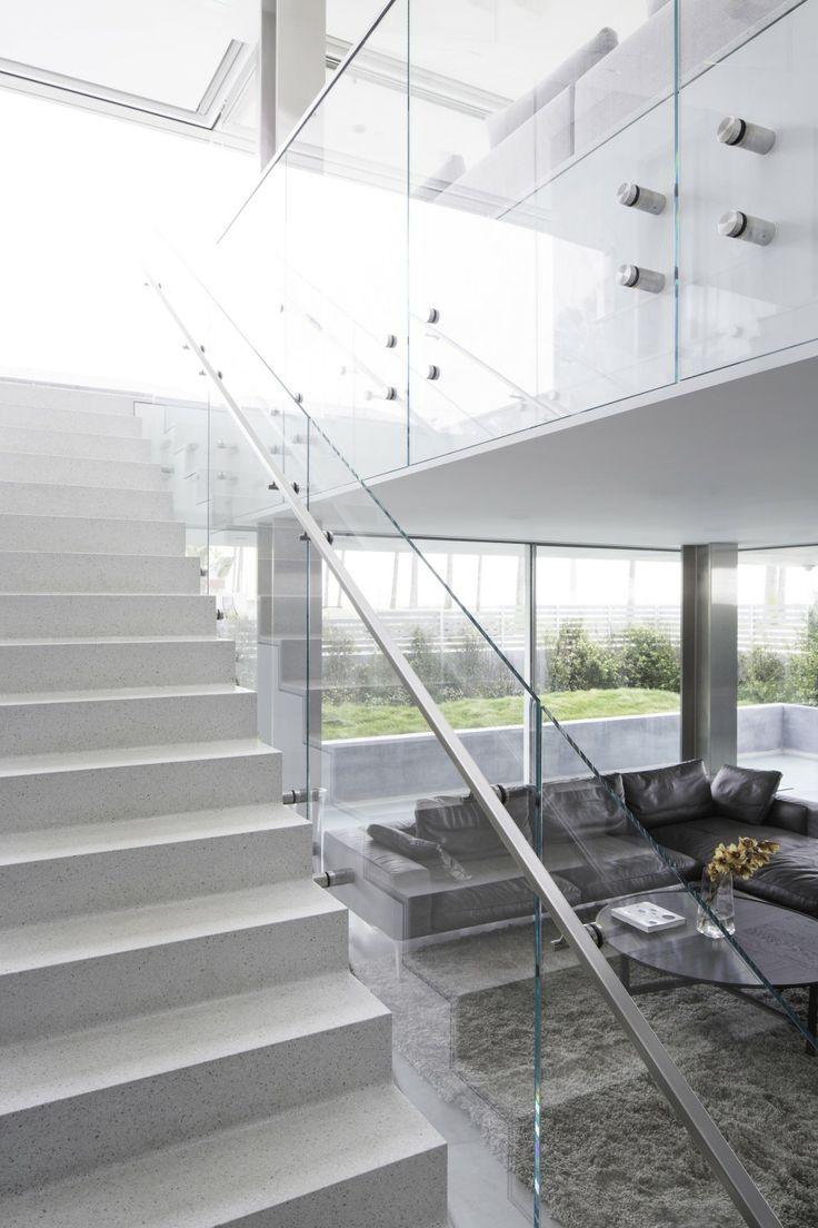 Kultstatus | A C C O U T E R M E N T | Flip Flop House / Dan Brunn Architecture