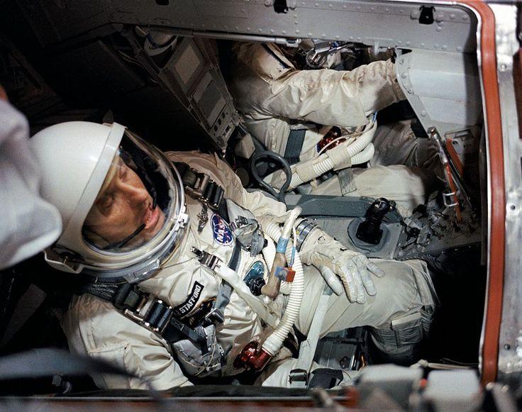 Gemini 6A. Stafford and Schirra before the pre-launch countdown