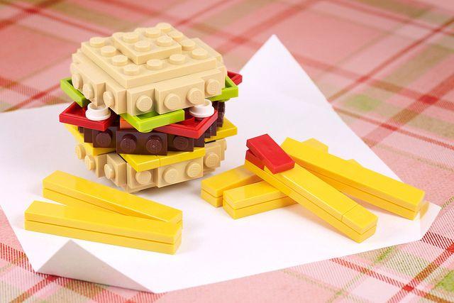 Build-it-Yourself: Burger 'n Fries! by powerpig, via Flickr