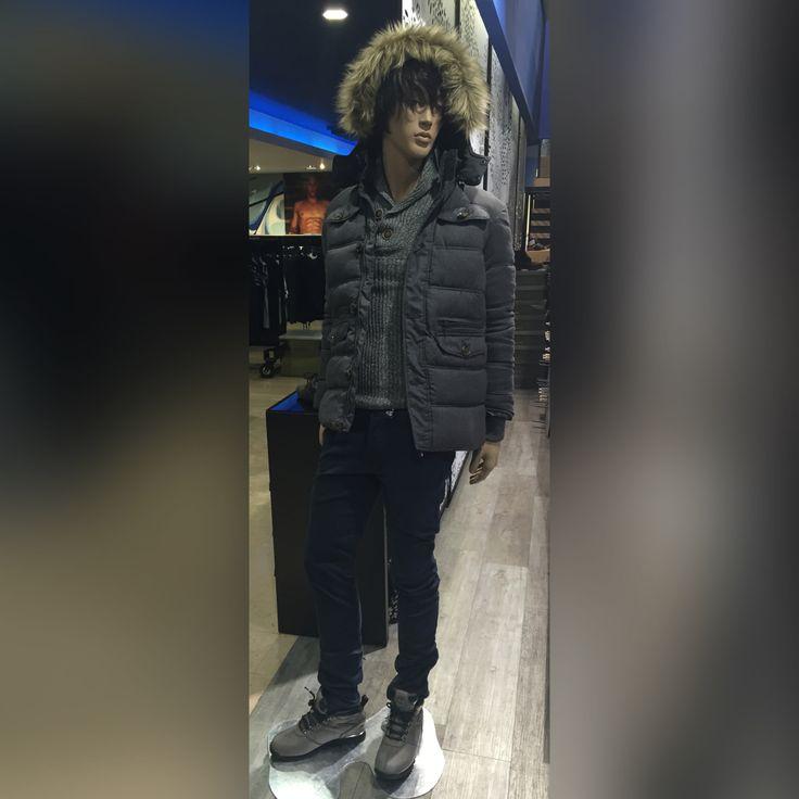 Même pas peur du froid ! Chaussures grises Timberland + Pantalon Teddy Smith + Pull gris Petrol + Doudoune avec fourrure Tommy Hilfiger