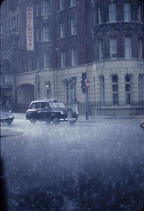 this is what your typical LOndon winter looks like: cold, miserable and lots and lots of rain: