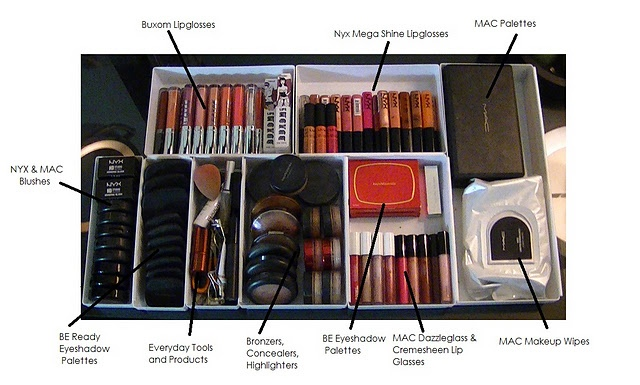 I want her makeup storage containers!!
