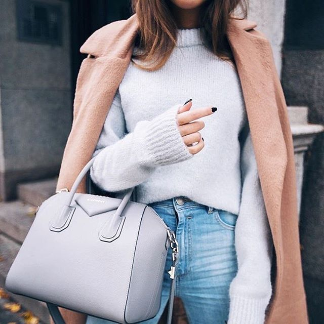You can (and should) wear pastels through Fall.