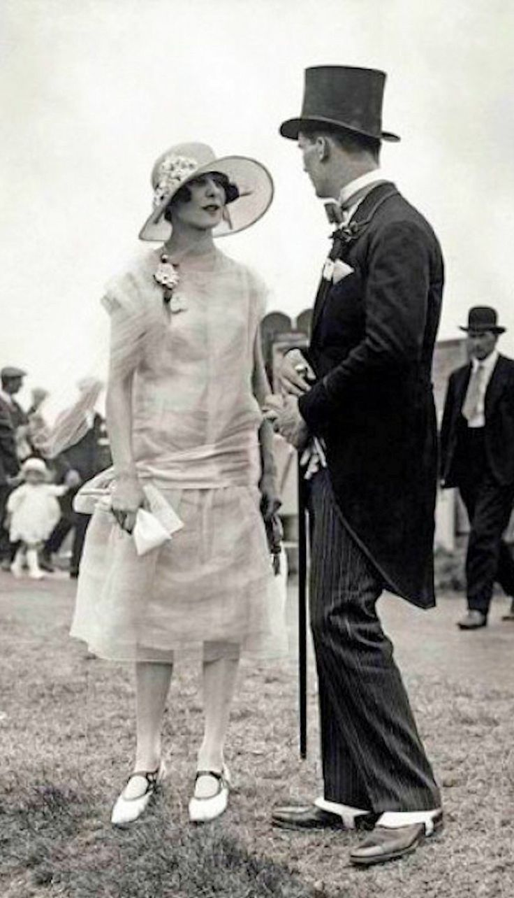 1920's fashion, Ascot Fashions, June 1925, Photo by Topical Press Agency, Getty Images