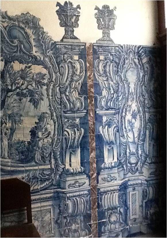 Lisboa, College of Meninos Órfãos [photo: Alexandra Gago da Câmara] #coquillage #blueandwhite #azulejo #frame #collaborativetimeline