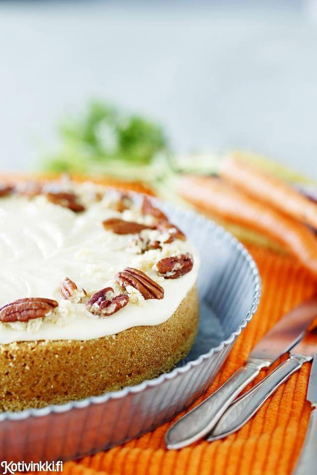 Hyvä porkkanakakku on mehevä ja sopivasti makea. Tämän kakun juju piilee kuorrutuksessa, johon lisätään poikkeuksellisesti myös halvaa.
