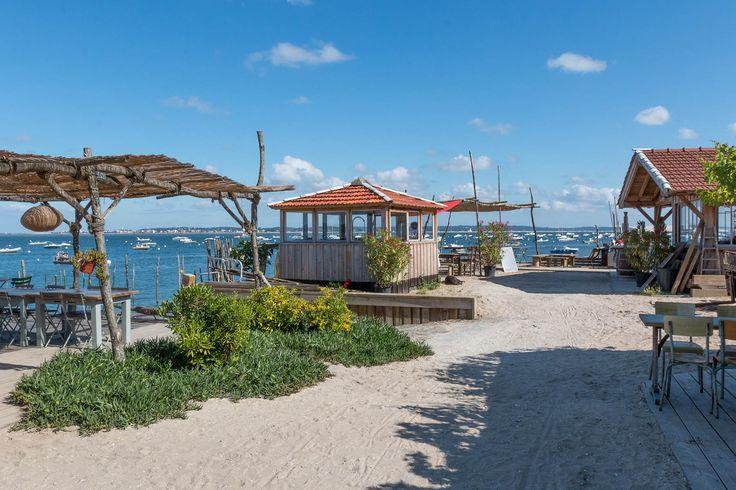 Découvrez en image le village de l'Herbe sur la presqu'ile du Cap Ferret au bord du Bassin d'Arcachon. Toute l'info pour organiser vos vacances à l'Herbe