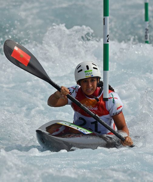 Morocco's Hind Jamili competes in the Women's K1 kayak slalom competition at the Whitewater stadium during the Rio 2016 Olympic Games in Rio de Janeiro on August 8, 2016. / AFP / Carl DE SOUZA