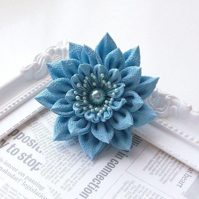 つまみ細工髪飾りクリップ【ブルー】