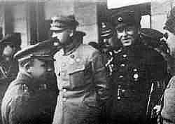 Petlyura with Polish Leader Jósef Pilsudski after the polish-ukrainian army liberated Kiev(May 1920)