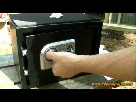 Stack-On Biometric fingerprint safe: unboxing and review - http://reviewslikecrazy.com/gun-safes/stack-on-biometric-fingerprint-safe-unboxing-and-review/