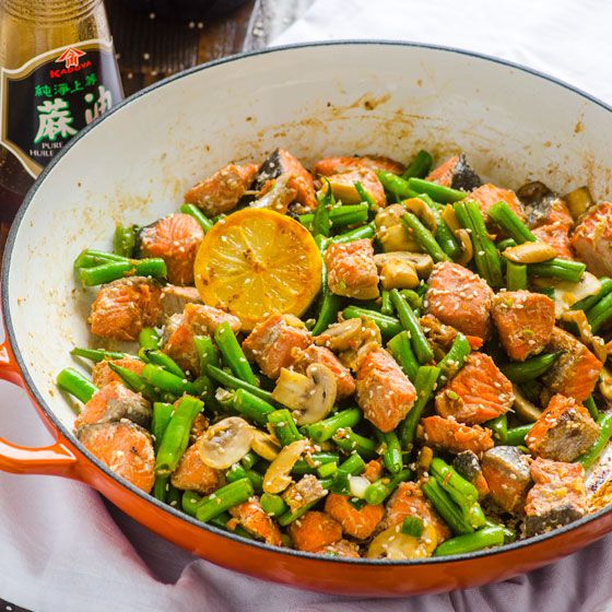 Salmon Stir Fry with green beans or broccoli, and mushrooms is healthy 20 minute skillet recipe the whole family will love.