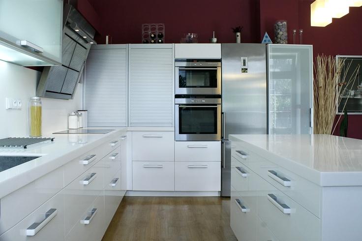 Fotogalerie kuchyně lak | Fotogalerie kuchyně podle materiálu | Kuchyně fotogalerie | Moderní kuchyně na míru, fotogalerie