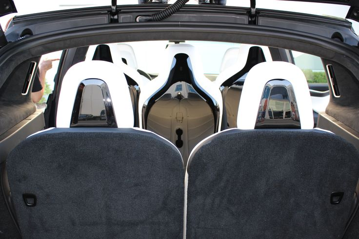 Tesla Continues To Streamline Production, Now Bundling Model X Interior Options