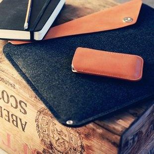"""Macbook Air 11"""" Sleeve by Mujjo"""