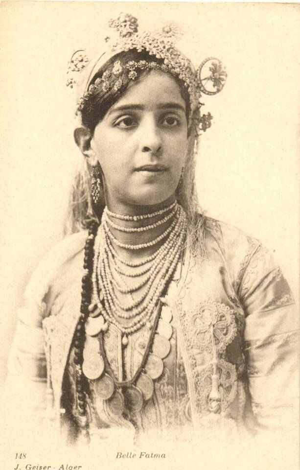 Lala fatma n summer est une femme kabyle h ro ne de la for Haute kabylie
