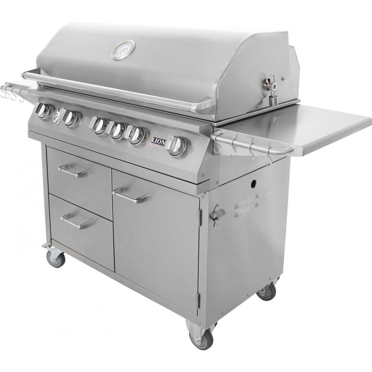 Lion 40-Inch Stainless Steel Natural Gas BBQ Grill On Cart Lion 40 Inch Stainless Steel Natural Gas Gas Grill On Cart - Angled View