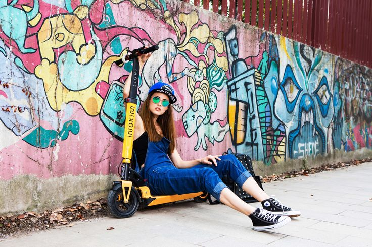 Travel in #style with the INOKIM Light. Finish your look with an awesome pair of shades ;)  #inokim #electricscooter #streetstyle #converse #denim #graffiti #wanderlust