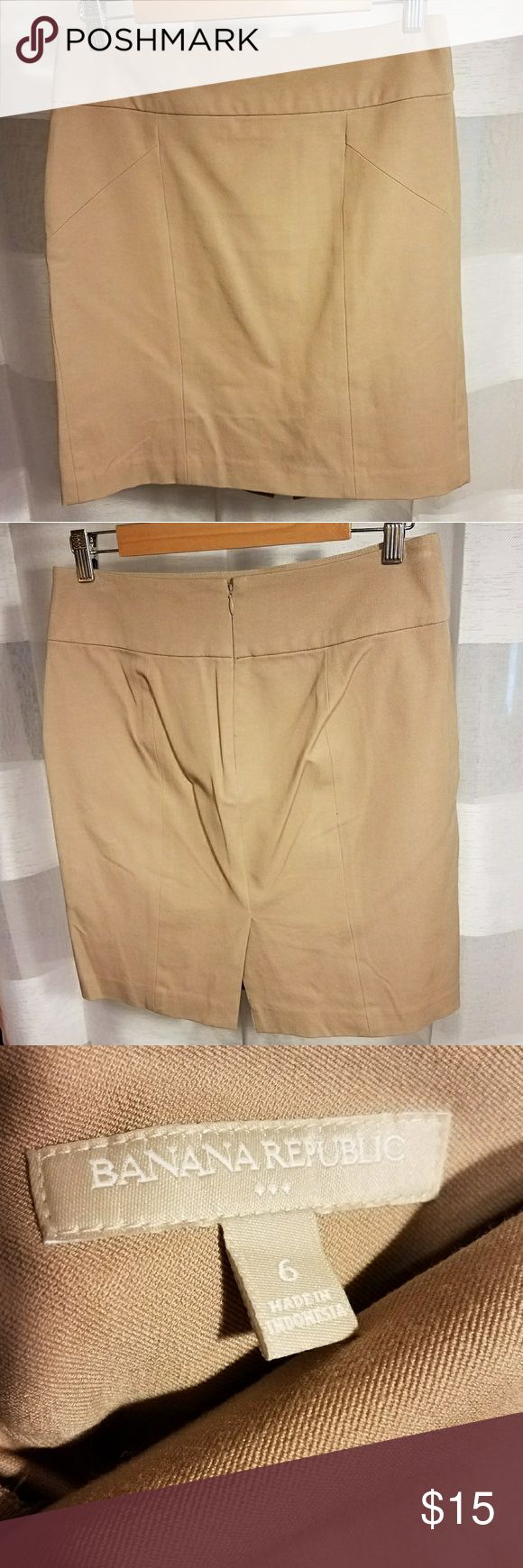 Banana Republic khaki tan pencil skirt Banana Republic factory. Flattering slim fit pencil skirt with stretch for comfort. Worn once. Banana Republic Skirts Pencil