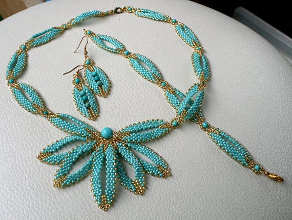 SET: necklace bracelet and earrings. Turquoise and von Mulinka