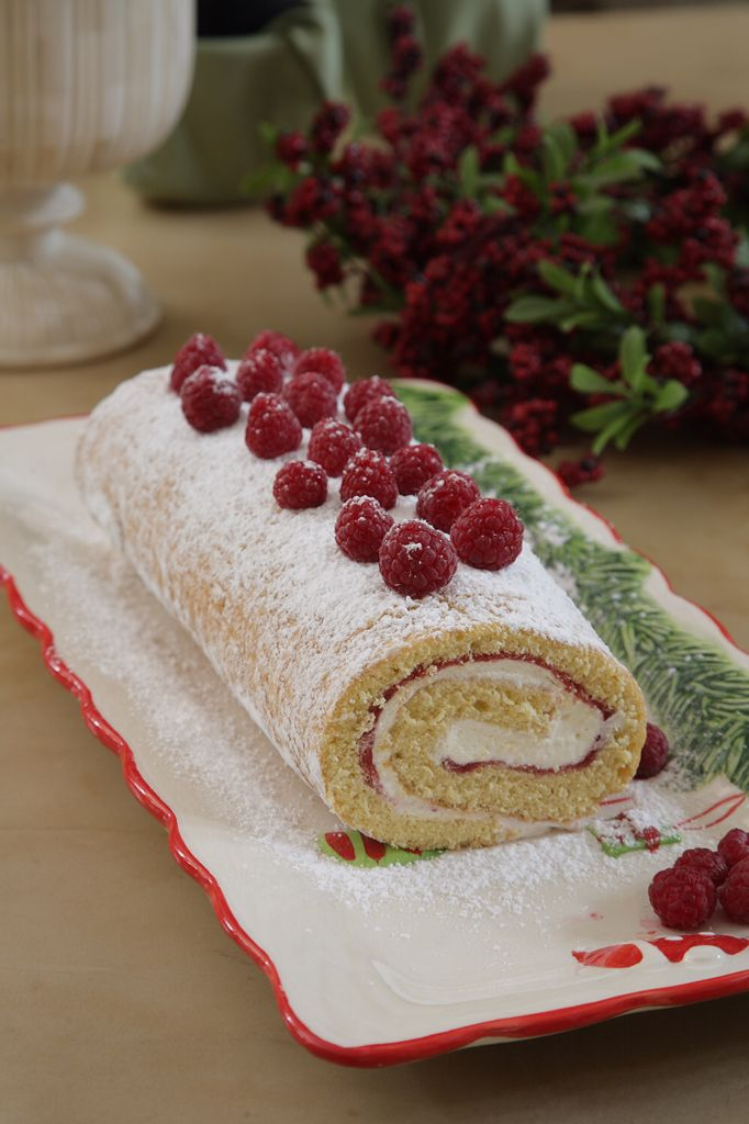 Raspberry roll, easy to make  Anna-Maria Barouh  http://www.instyle.gr/recipe/kormos-me-vatomoura/