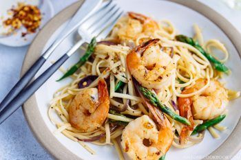 Easy Wafu Pasta with Shrimp and Asparagus (Gluten Free) 海老とアスパラガスの簡単和風パスタ (グルテンフリー) | Easy Japanese Recipes at JustOneCookbook.com