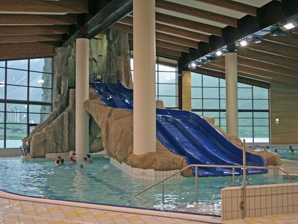 Cool pool with slides water slides indoor swimming - How to build a swimming pool slide ...