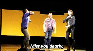 this gif is e v e r y t h i n g {Previous Pinner} And makes me want to see the show even more damnit