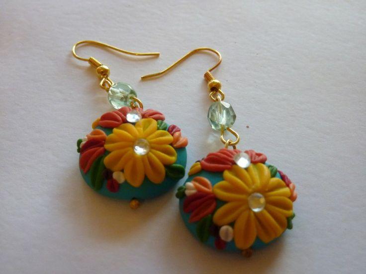Orecchini in fimo fatti a mano decorati con fiori gialli arancioni e perline - Orange and yellow flowers earrings in fimo polymer clay handmade