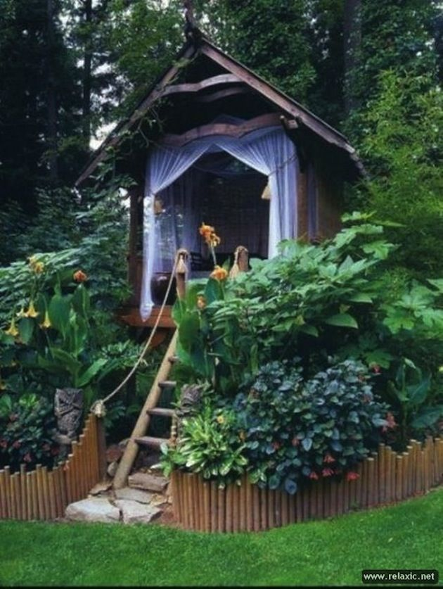 20 Creative Kids Treehouses For Your Summer Yard 8