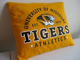 How to make a t-shirt into a pillow or pillowcase. This particular one is a child's sized Mizzou pillow. Click for directions