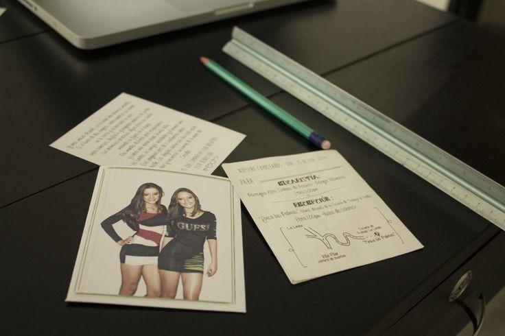 Diseño de tarjetas invitación 15 años. diseño gráfico impreso.