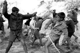 Ξύλινα σπαθιά -πόλεμος