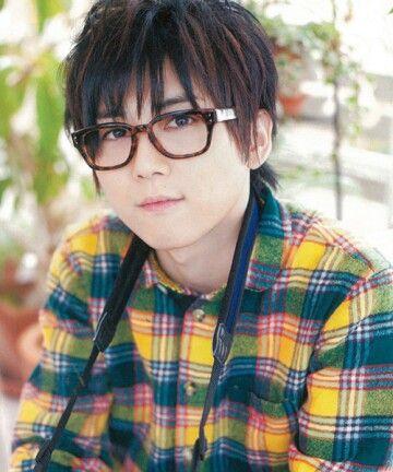 yuuki kaji wearing glasses so cute...