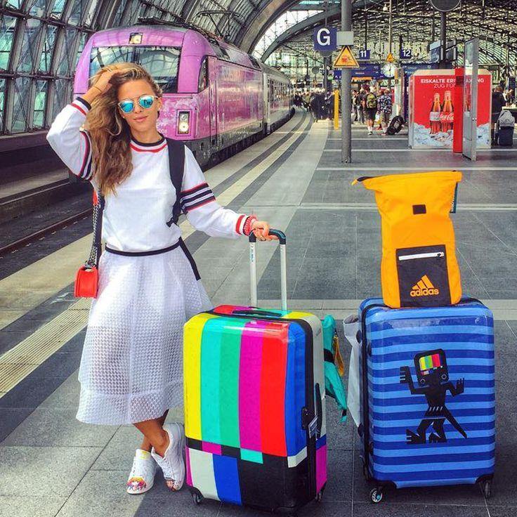 Energia, bogactwo kolorów! Ewa Chodakowska i walizki BG Berlin!