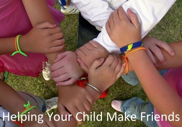 Helping Your Child Make Friends as school starts again: Little Children, Leadership Activities, Art Crafts, Ice Breakers Games, Social Skills, Creative Writing Tips, First Day Activities, Mom Daughters, Team Building Activities
