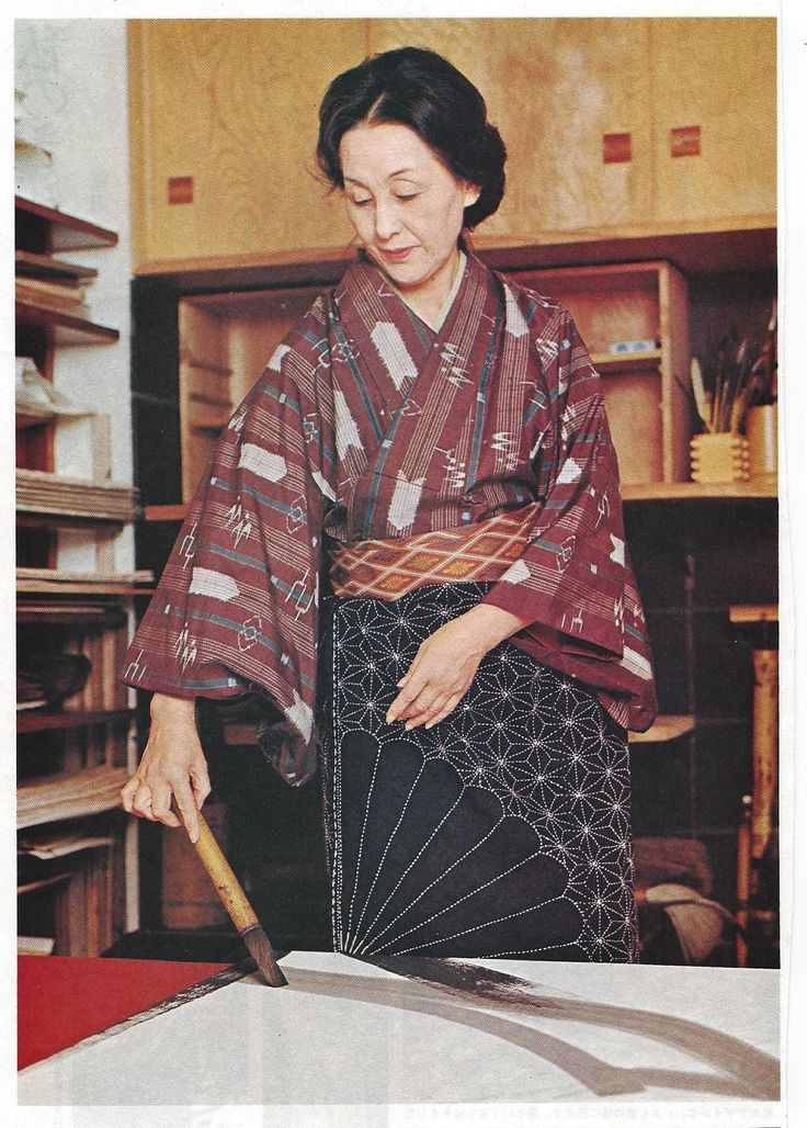 Japanese painter, calligrapher and artist, Tokou SHINODA (1913~) 篠田桃紅