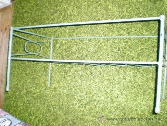 Antigüedades: mesa revistera salon hierro verde con oxido falta el cristal ideal para cuna de muñeco antiguo grd - Foto 2 - 38895511