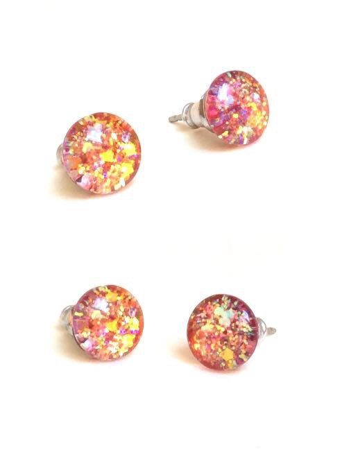 Hey, I found this really awesome Etsy listing at https://www.etsy.com/listing/238796789/tiny-stud-earrings-sunglitter-stud