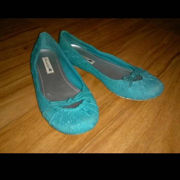 American Eagle embroidered blue/teal flats Worn maybe once or twice. American Eagle by Payless Shoes Flats & Loafers